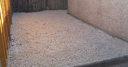Driveway Tidy and Re-gravel