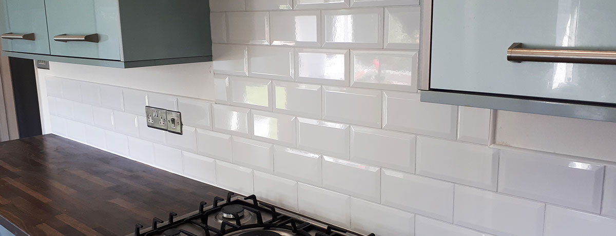 Tiling Kitchen Splashback With Subway Tiles